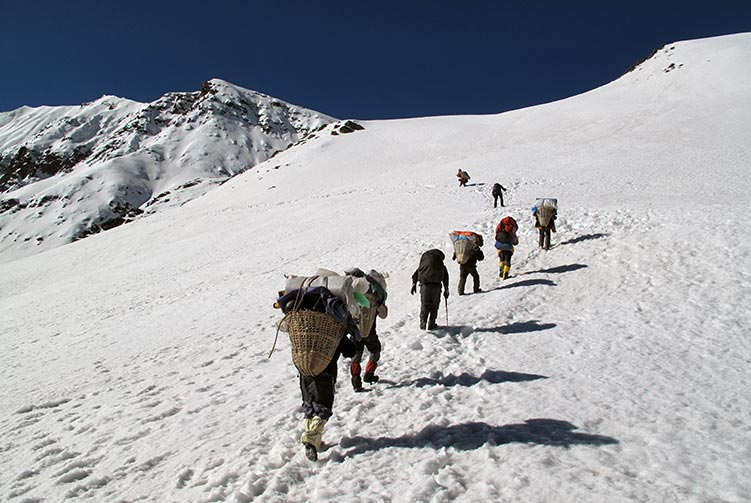 Annapurna High Passes Trek fixed departure spring/autumn 2016/2018 cost & itinerary