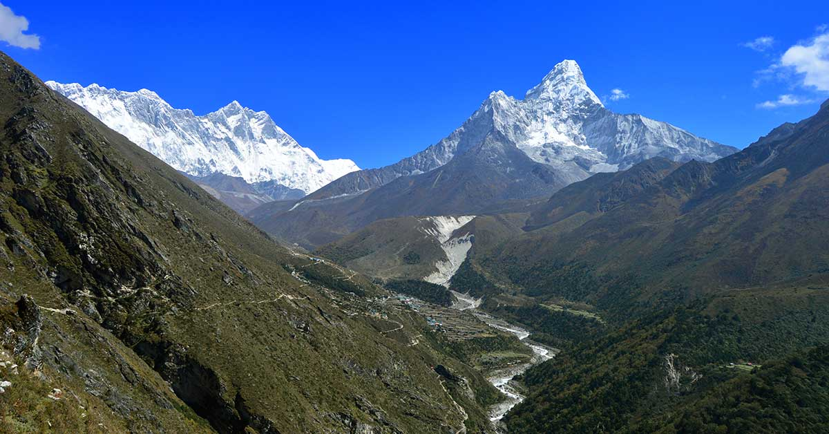 Panoramic view of the EBC Trail