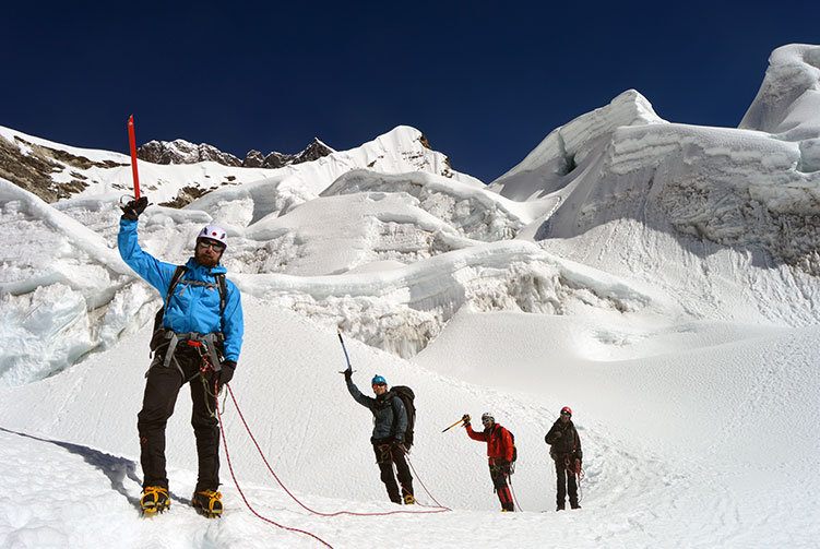 Island Peak Climbing with Everest 3 High Passes Trek fixed departure spring/autumn 2017/2018 cost & itinerary